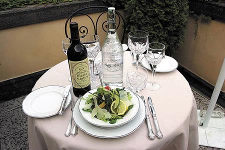Rukolový salát s ovčím sýrem Pecorino a pomerančovou redukcí
