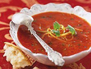 Tomatová polévka s koriandrem a ciabattou