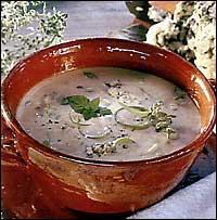 Sýrová krémová polévka s bylinkami
