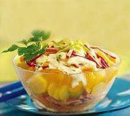 Salát z brambor, jablek a šunky