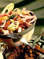 Barevný fazolový salát