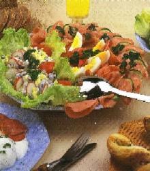 Salát s houbami a kukuřicí