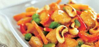 Čínská pánvička se zeleninou a oříšky kešu