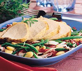 Karajszeletek vegyes salátával
