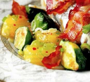 Jednoduchý bramborový salát s opečenou zeleninou