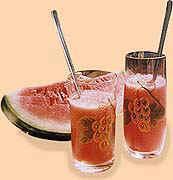 Ledový melounový nápoj